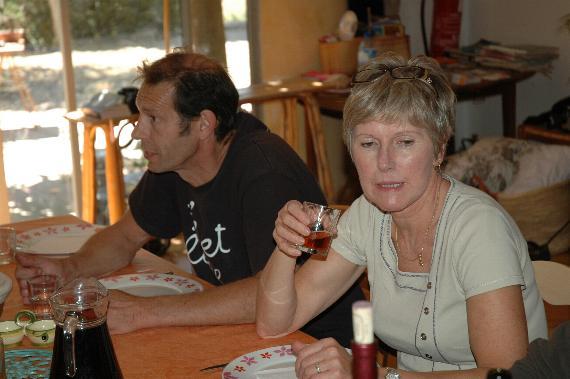 http://www.espritsdegoshin.fr/components/com_agora/img/members/2066/Martine-et-le-sensei.jpg
