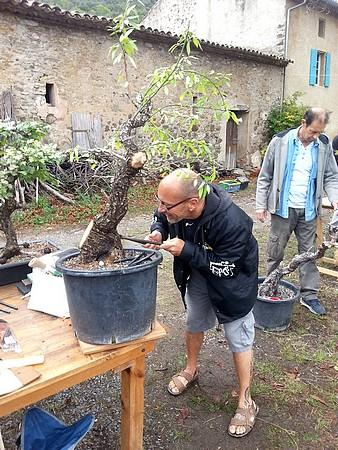 http://www.espritsdegoshin.fr/components/com_agora/img/members/2066/mini_Jean-luc-au-boulot.jpg