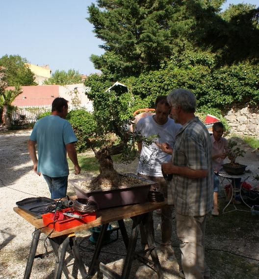 http://www.espritsdegoshin.fr/components/com_agora/img/members/2103/12042011-1647_8.jpg