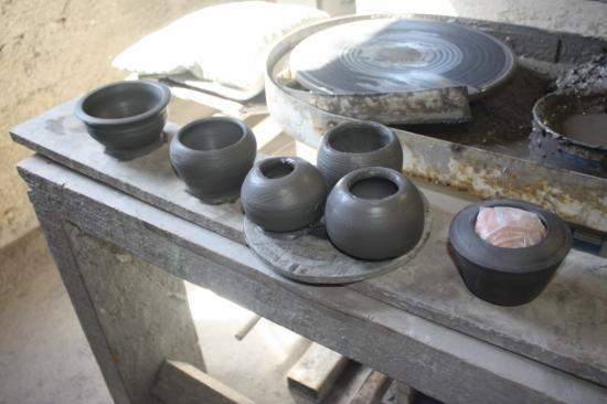 http://www.espritsdegoshin.fr/components/com_agora/img/members/2587/mini_poterie-et-photo-marais-001-1280x768.JPG