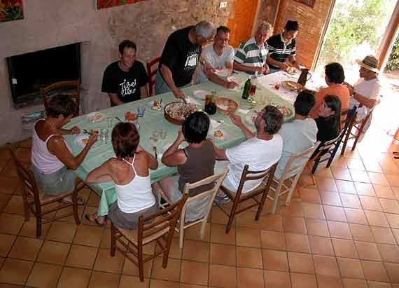 http://www.espritsdegoshin.fr/components/com_agora/img/members/69967_Banquet-des-Gaulois.jpg