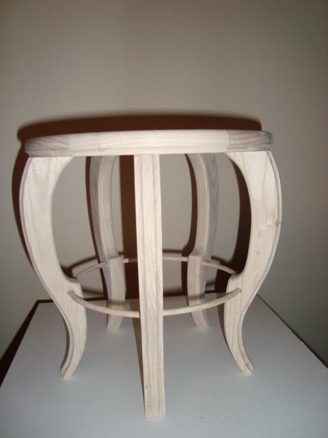 http://www.espritsdegoshin.fr/components/com_agora/img/members/74599_table_ronde_d250_ht250_002.jpg