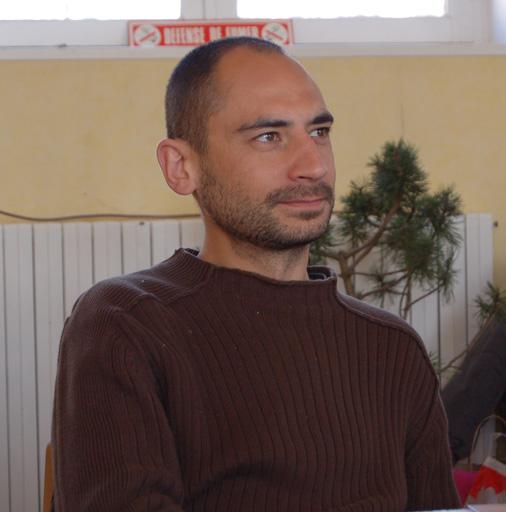 http://www.espritsdegoshin.fr/components/com_agora/img/members/77618_16.jpg