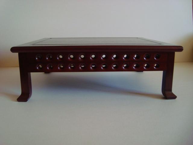 http://www.espritsdegoshin.fr/components/com_agora/img/members/78545_tables_pascal_001.jpg