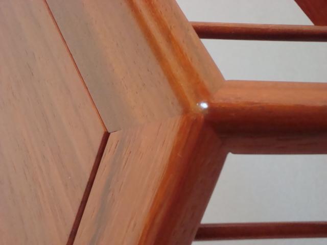 http://www.espritsdegoshin.fr/components/com_agora/img/members/78549_tables_pascal_007.jpg